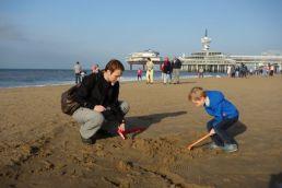 Samen graven / Digging together